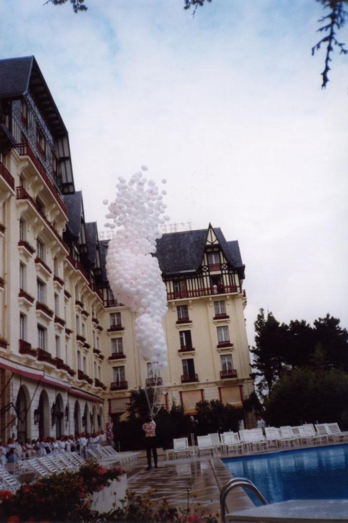 lâcher de ballons au Palace Hermitage