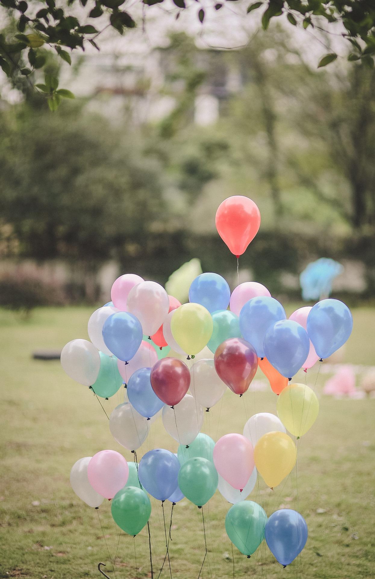 3 idées pour décorer son mariage avec des ballons - blog - decors de