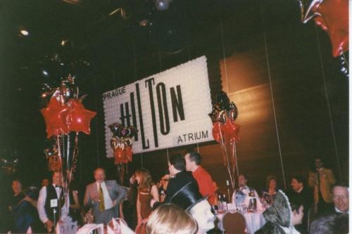 logo convention Hilton